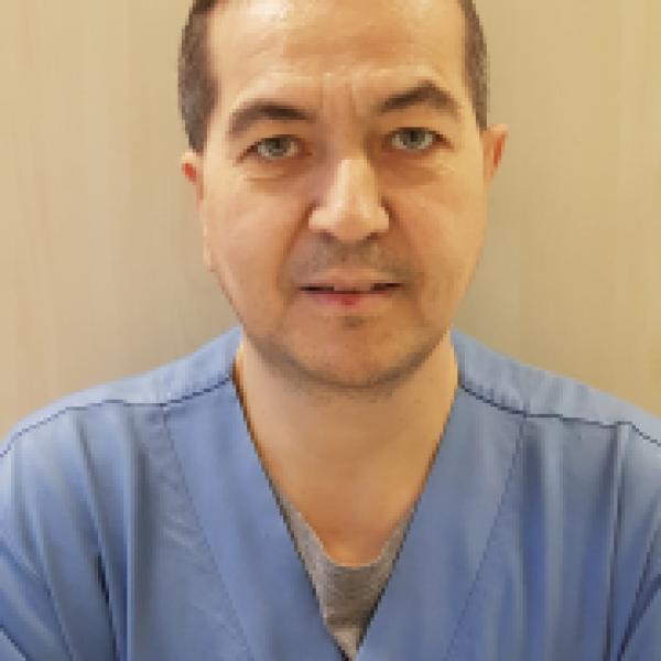 dr.Veres-Attila-182x300-1.png